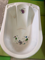 Used Vtech baby walker and baby bath tub in Dubai, UAE