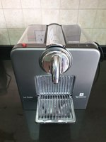 Used Nespresso coffe Machine Le Cube in Dubai, UAE
