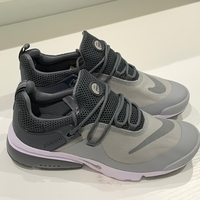 Used Original Nike Presto gray size 43 in Dubai, UAE