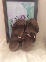 Used NEW Criss Cross Strap Sandals Size 35 in Dubai, UAE