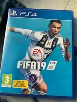 Used Fifa 19 and Spider-Man ps4 for sale in Dubai, UAE