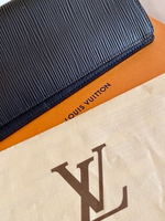 Used Wallet original LV  in Dubai, UAE