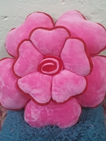 Used BRAND NEW FLOWER VELVET FLUFFY CUSHION in Dubai, UAE