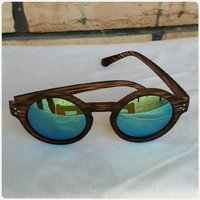 Wooden browm sungglass...new