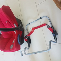 Used Maxi cosi car seat with adaptor in Dubai, UAE