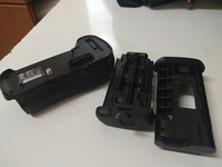 Used Nikon MB-D12 Battery grip - rarely used in Dubai, UAE
