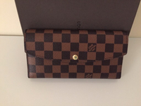 Used Louis Vuitton wallet for sale  in Dubai, UAE