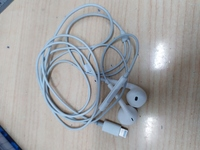 Used Iphone headphone (apple airpod) in Dubai, UAE