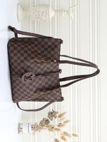 Used Lv ladies bag brown in Dubai, UAE