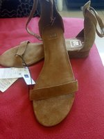 Used GAP sandals size9 in Dubai, UAE