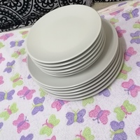 Used Ikea design and quality plates in Dubai, UAE