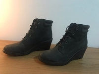 Used Timberland ladies shoes in Dubai, UAE
