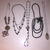 Preloved Ladies Accessories. Price Includes The Delivery To Your Door