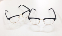 Used 2 optical Frames in Dubai, UAE