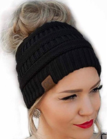 Knitted ponytail cap black
