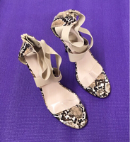 Used Peeps/ 3.5 inch Heels Height /40 in Dubai, UAE