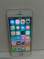 Used iPhone se 64 gb like new in Dubai, UAE
