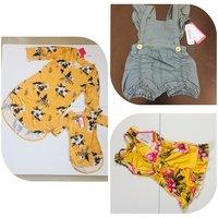 Used Bundle dress for mummy and daughter in Dubai, UAE