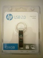 Used USB Flash drive 128 GB buy 1 get 1 free! in Dubai, UAE