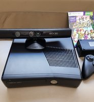 Used Xbox 360 Kinect with one wireless contro in Dubai, UAE