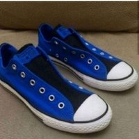 Used BRANDNEW CONVERSE SNEAKERS.. SIZE 37 in Dubai, UAE