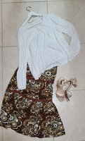 Used Complete outfit blouse,skirt,sandals in Dubai, UAE