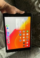 Used Ipad 7 generation,32GB,Cellular in Dubai, UAE