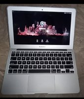 Used Macbook 2015 core i5 in Dubai, UAE