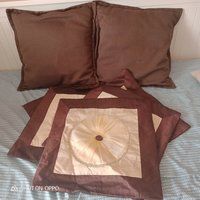 Used Two cushions and 5 covers 🎀 in Dubai, UAE
