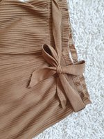 Used Pleated trousers size s-m in Dubai, UAE