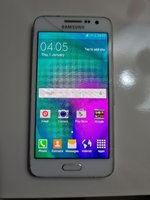Used SAMSUNG GALAXY A3 PHONE.. in Dubai, UAE