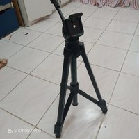 Used Tripod stand stick and RAM 8 gb sale in Dubai, UAE
