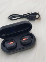 Used Earbuds TWS6 with charging box / in Dubai, UAE