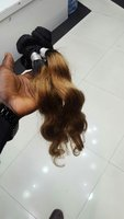 Used Italia two color hair 22 inches in Dubai, UAE