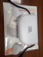 Used JBL- wireless 5.0 AirPods. Cane charge p in Dubai, UAE