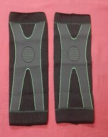 Used 360 compression knee sleeves 1 pair ! in Dubai, UAE