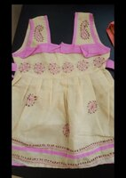 Used kids frock 0 to 12 month in Dubai, UAE