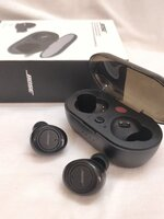 Used BOSE PACKED WITH CHARGING CASE NEW in Dubai, UAE
