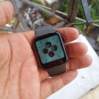 Used Apple smart watch calling function in Dubai, UAE