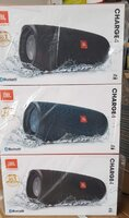Used Grab charge 4 high bass and high sound in Dubai, UAE