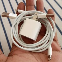 Used iphon/ipad cable 2+charger 1 in Dubai, UAE
