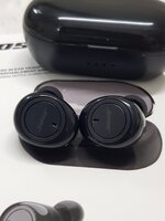 Used Bose Earbuds TWS 4...,, offers Friday in Dubai, UAE