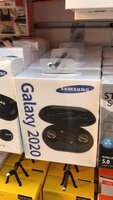 Used New box pack.Samsung galaxy 2020black in Dubai, UAE
