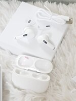 Used Airpod pro 3 white iso android phone in Dubai, UAE