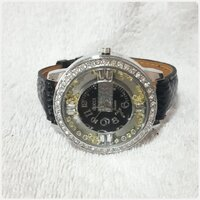 "Used GUCCI watch "" for women. in Dubai, UAE"