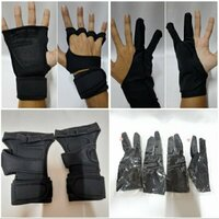 Used Fitness GYM Gloves with 2 Extra Gloves in Dubai, UAE