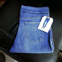 Used Lady jeans 👖 32 SIZE 🆕 in Dubai, UAE