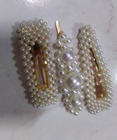 Used 3 pearl hair clips in Dubai, UAE