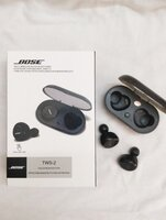 Used BOSE EARBUDS TWS2 _ with changing casr in Dubai, UAE