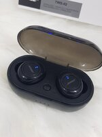 Used Bose Earbud TWS2 with charging box f in Dubai, UAE